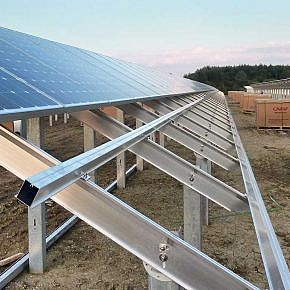 Montage gerahmter Solarmodule …