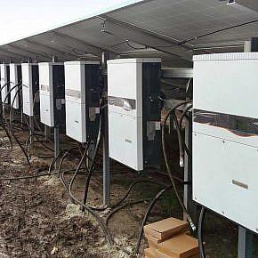 Standardisiertes Befestigungsmaterial für Sammler und Wechselrichter