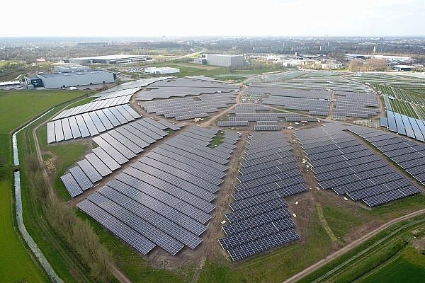Solarpark Bavelse Berg (NL)