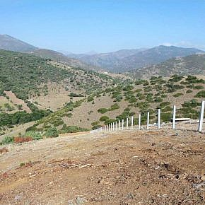 Line of posts for slope parallel installation