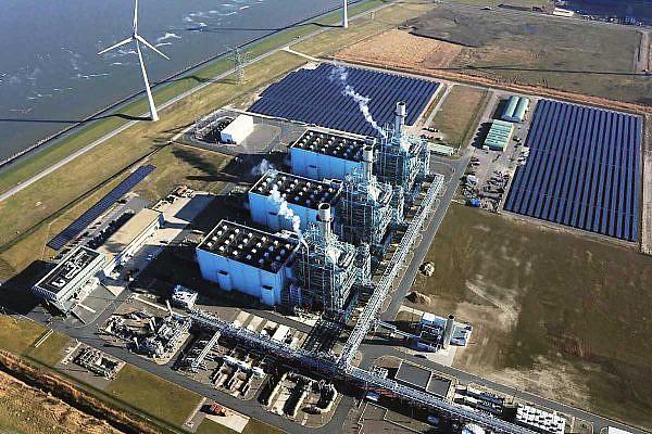 Solar park Eemshaven (NL)