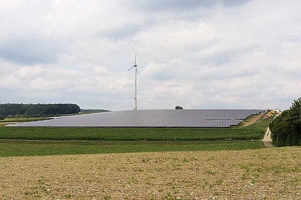 Solar park Rennertshofen (D)