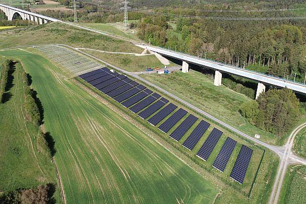 Solar park Grambs II, Rödental-Weißenbrunn vorm Wald (D)