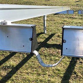 Bridging strap for potential equalisation / lighting protection