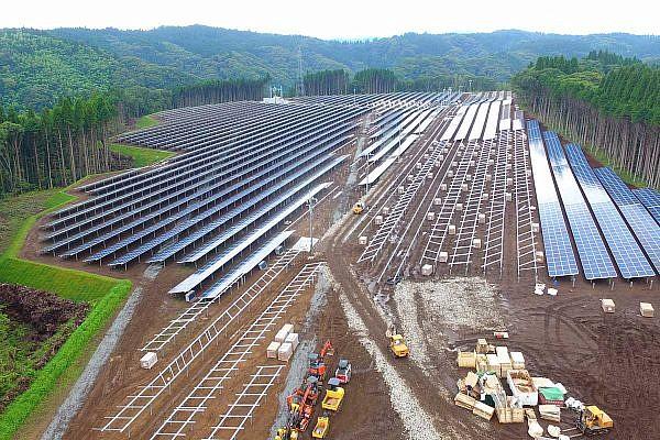 Solar park Ryouma (JP)